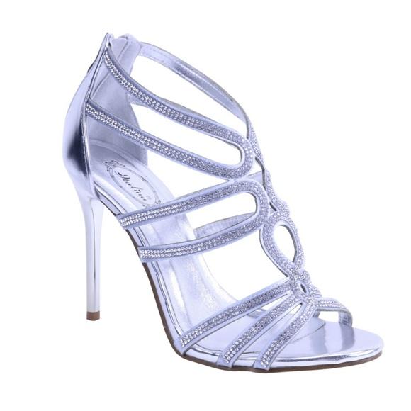 c6fa1d36742 Beautiful high heel pumps. NWT. italina by summer rio